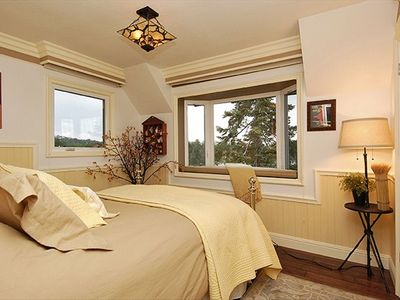 2nd upstairs Bedroom with queen bed an views of the lake from every window