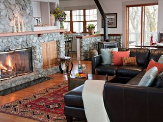 Cloverdale estate photo - Ample living area with gorgeous stone fireplace