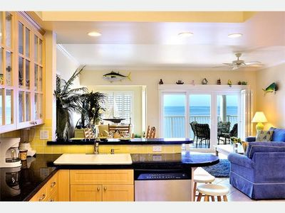 'AZURE AFTERNOON @ OCEANSIDE MARINA': Serene Oceanfront Condo + Pool & Spa...