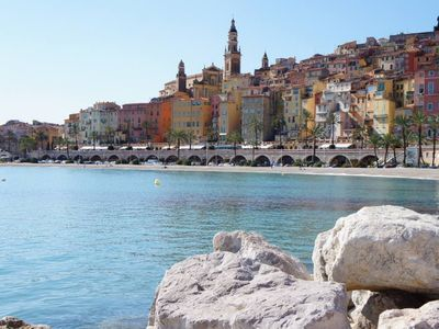 2 Rooms in the heart of the old town of Menton, 100 meters from the beach of Sablettes