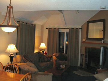 Killington condo rental - Great Room w/FP, Balcony, Dining for 6 & Q Sleeper
