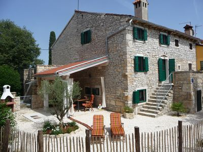 Top renovated stone house in uristrischer landscape, pool