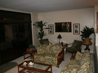 Kaanapali condo photo - large living room with fold out queen sofa bed