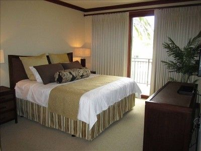 Kapolei condo rental - King sized bed in the Master BR