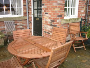 Bo 3 Croft Farm patio seating area