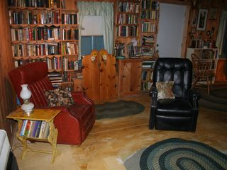 Woodstock lodge photo - Curl up with a good book in the library