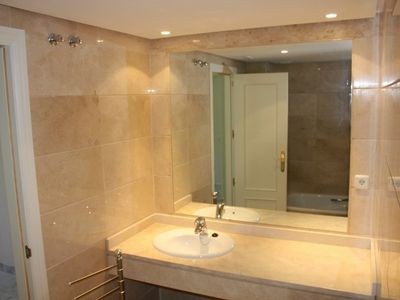 Puerto Banus apartment rental - Bathroom en suite to bedroom 1