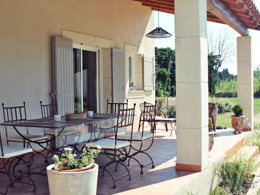 Accommodation near the beach, 90 square meters, with garden