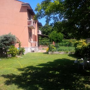 Apartment in beautiful house with private garden