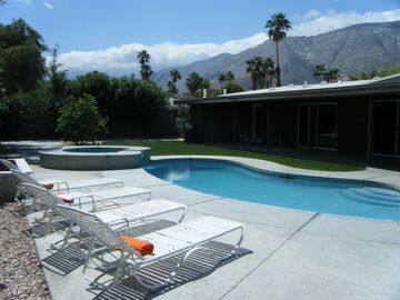 Palm Springs house rental - Great Mountain Views, lots of full sun or full shade dining and lounging options