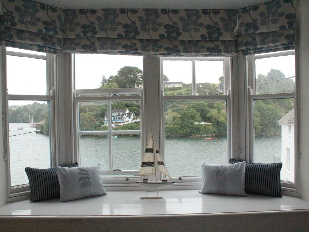 39 Out Of The Blue 39 Is A Refurbished Riverside Homeaway Fowey