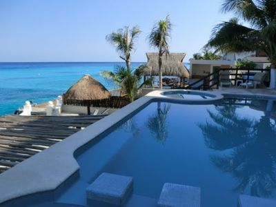 Cozumel condo rental - Pool overlooking the ocean