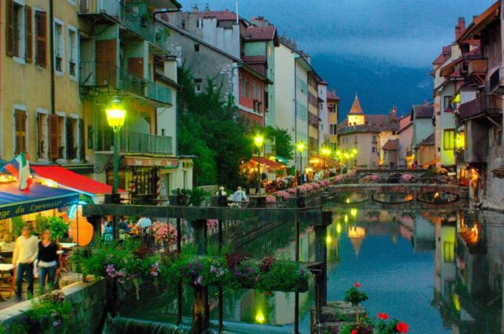 ANNECY QUIET AND ROMANTIC HISTORY VRBO