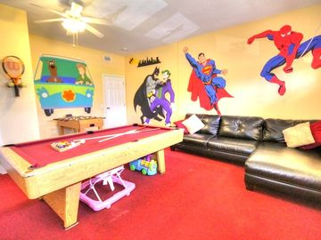 Lake Berkley villa rental - Game room-42 in flat screen, bluray, playstation, wii fit, toys, disney costumes