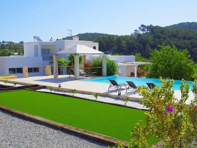 Peaceful house, with pool