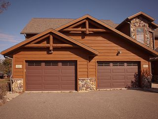 Castle Rock Lake condo photo - Oversized one car garage
