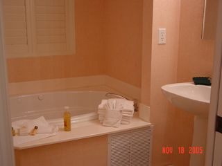Port St. Lucie condo photo - Jacuzzi bath in master bedroom