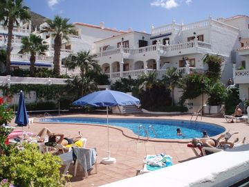 Los Cristianos apartment rental - Beautiful heated pool area