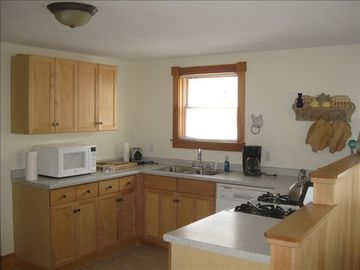 Ogunquit condo rental - Fully stocked Kitchen with stove, oven, micro, blender, fridge.. all one needs.