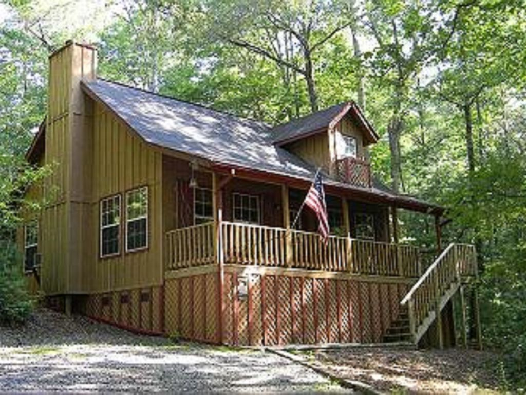 2 story wildwood tree house love nest cabin vrbo for 2 story cabin