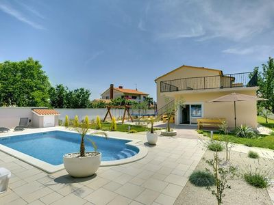 Air-conditioned accommodation, close to the beach, Medulin