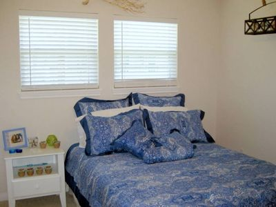 Galveston house rental - Second bedroom has a new queen bed