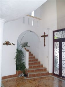 front entry way/stair