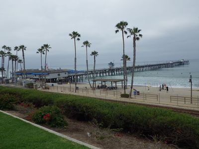 Main Beach and Pier are just 2 blocks, a 5 minute walk away
