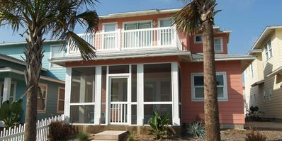 3 Bedroom, 3 bath home with a community pool and beach access!