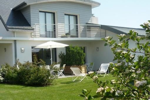 Duplex apartment, garden level, centre of Benodet, partnership with a thalasso