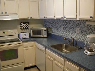 New Kitchen Appliances and Glass tile back splash
