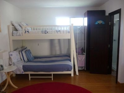 Detached casita that sleeps 3 with bathroom, kitchenette and TV