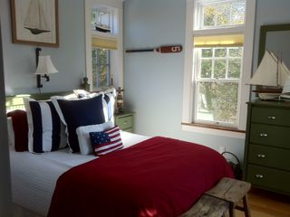 Green Hill cottage photo - A Bedroom With Charm, Coziness And A Touch Of Sailing Delight