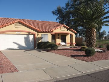 Glendale house rental - Sun and palm trees