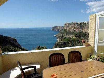 Apartment with beautiful sea views and jacuzzi