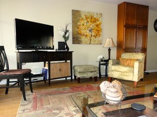 Maalaea condo photo - 42-in. LCD cable HD TV with DVR & BluRay DVD player; even an iPad speaker dock!