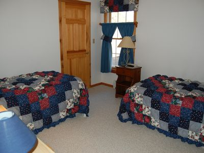 Mount Snow house rental - Main Level Bedroom III (Two Twin Beds)