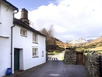 FELL FOOT COTTAGE, family friendly in Little Langdale, Ref 2016