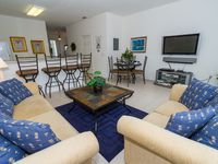 End unit townhome w/south facing pool in Windsor Hills