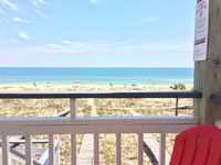 AT LAST🌞 Beach Front! GREAT VIEWS,Downtown Location! Close to shops!