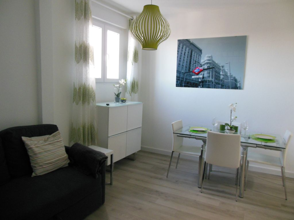 WELL LOCATED AND SUNNY APARTMENT IN THE DOWNTOWN OF MADRID