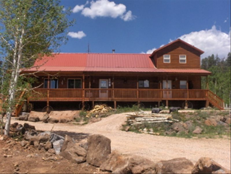 Cabin with lake between bryce canyon and zion vrbo for Bryce canyon cabin rentals