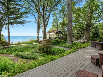 Gorgeous House on Private Beach with Stunning Lake Views and Outdoor Space