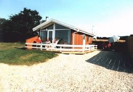 New, comfort holiday house, directly on the beach - inexpensive and good