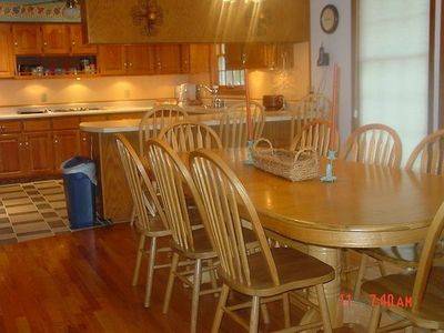 Norfork Lake estate rental - More than enough room for friends & family PLUS a fully stocked gourmet kitchen!