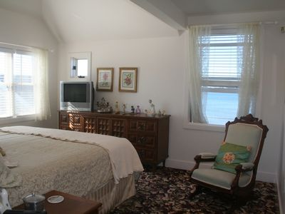 Easton's Point house rental - Master bedroom with king and ocean view