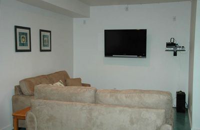 Basement/Flat Panel TV/Surround Sound Speaker/IPOD Docking Station