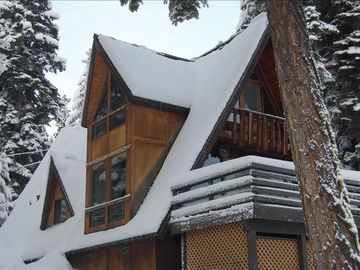 Side view of this beautiful chalet