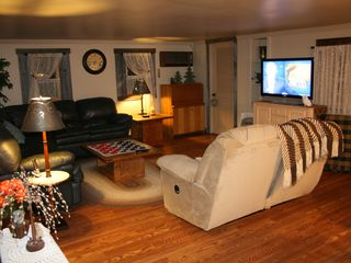 Clearfield cabin photo - Great room with satelite TV