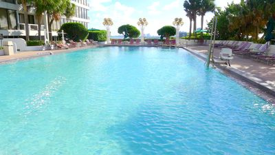Miami condo rental - Miami, The Grand : Large Heated Pool, facing Miami Beach.